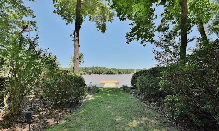 LAKE - Mins to Ft Benning, Downtown,North Columbus