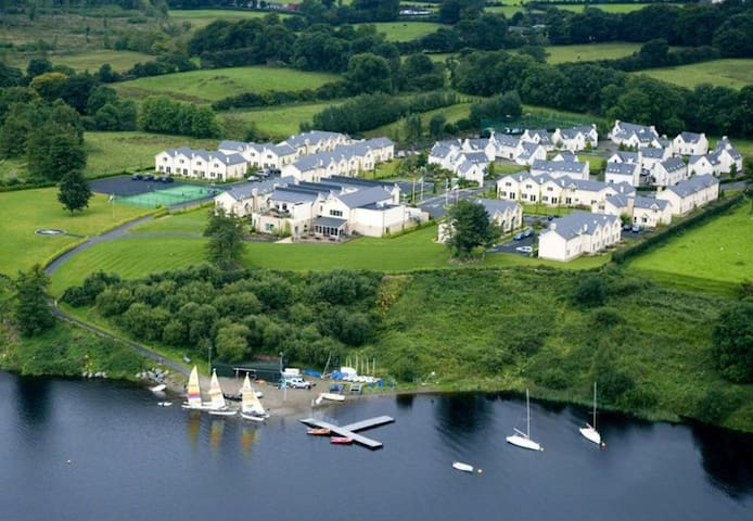 Avon Ri Townhouse, Blessington, Wicklow - 3 Bed - Sleeps 6