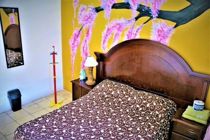 Cómoda y privada habitación en ZONA.CENTRO-FERIA-
