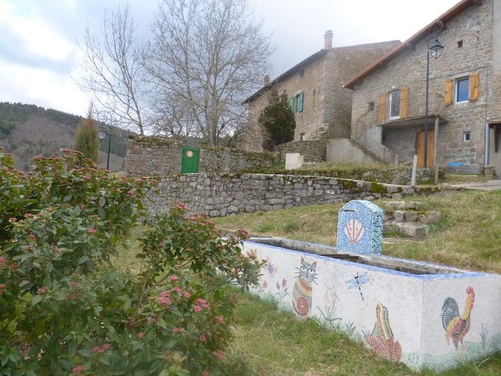 Gite 4 personnes vacance en Ardèche
