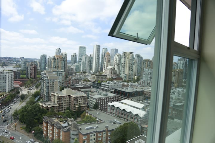 1 Bedroom with Private Bath in Downtown Vancouver