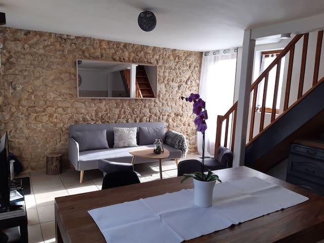 La petite maison vue sur prairie