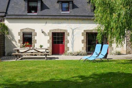 Maison confortable avec jardin - Pluvigner