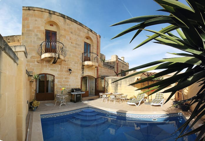 Ta Wigi, Villa with Private Pool