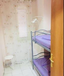 New small room 50m from train garibaldi station