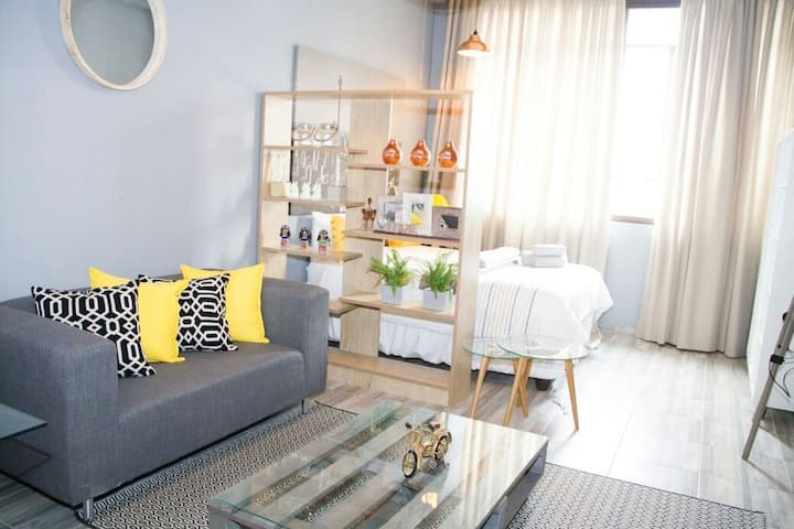 Charming Chic studio in Maboneng Precinct