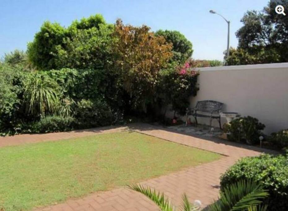 The garden is great place to have a braai (barbeque) with a view of the mountains.
