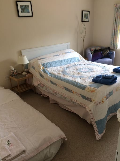 Double room with extra airbed