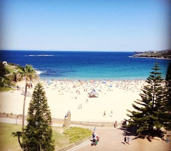 Beach front, bright and beautiful two bedroom unit - Coogee