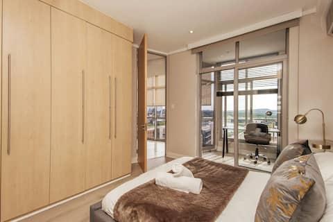 Luxurious superior apartment in the Sandton CBD