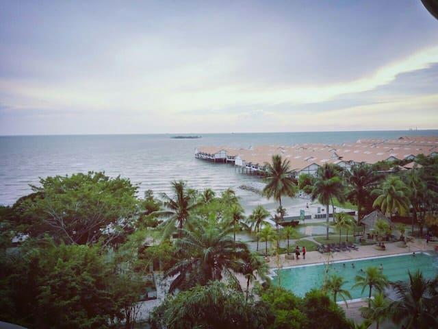 3 Room 5Bed Spacious Seaview Resort - Port Dickson - Apartemen