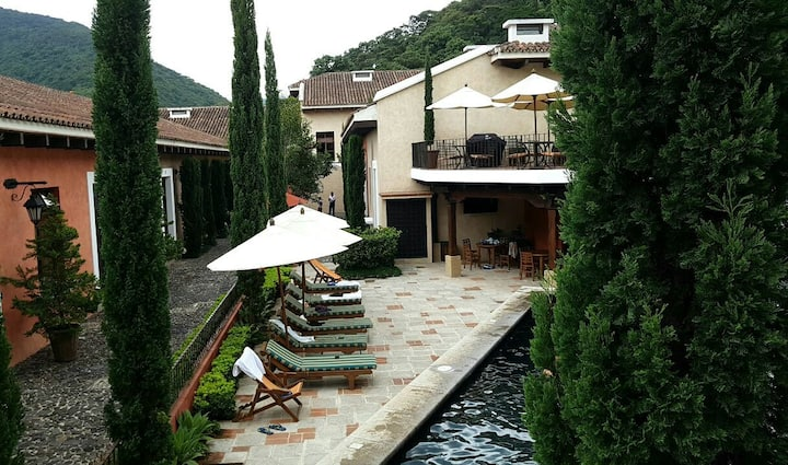 Luxury getaway in Antigua - Villa #16