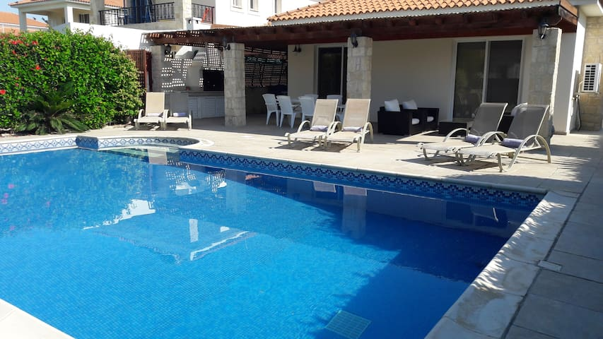 Villa Kara with private pool, Pissouri Beach