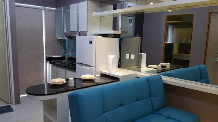Family room 825 @ Harvard 8 - Educity Apartment