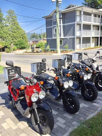 Can you believe Scooter Rentals are right next door! Oh and another Airbnb too!  https://www.scottysrentals.ca/