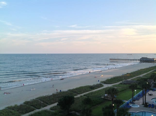 "Direct ""OCEANFRONT"" Condo in Sunny Myrtle Beach - Myrtle Beach - Condominium"