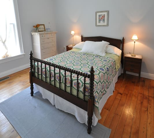 Victorian Suite - Century House 1879, Port Perry