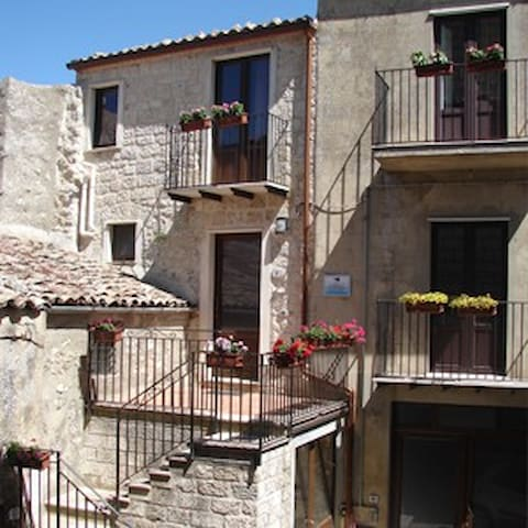 B&B - La Scaletta di Petra - Petralia Soprana - Bed & Breakfast
