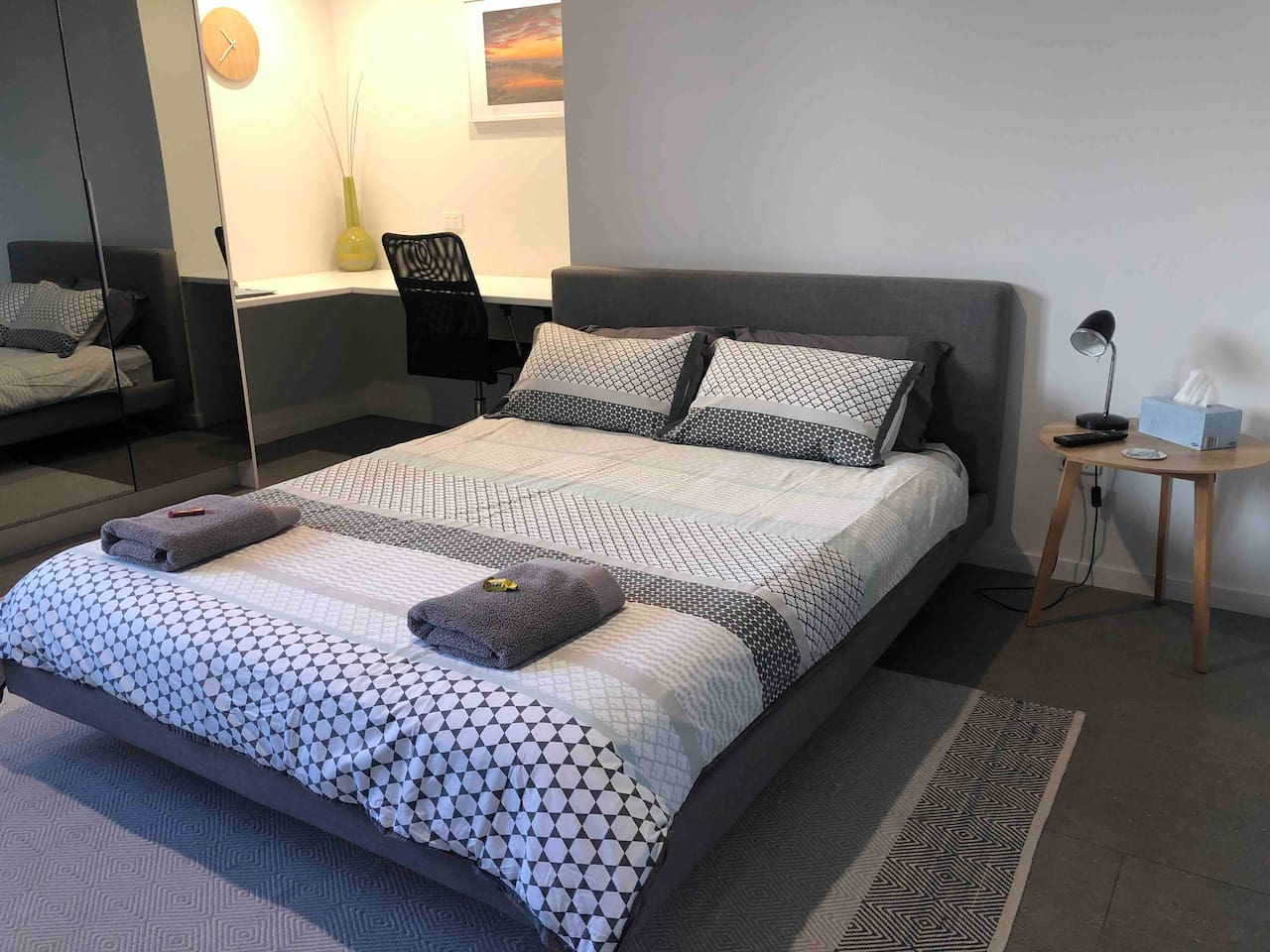 A gorgeously comfortable Queen Bed with fresh towels and even a welcoming chocolate. Spacious area with office desk and chair. Great wifi if you need to work.  Or just chillax and enjoy the peace and quiet on the Sunshine Coast.