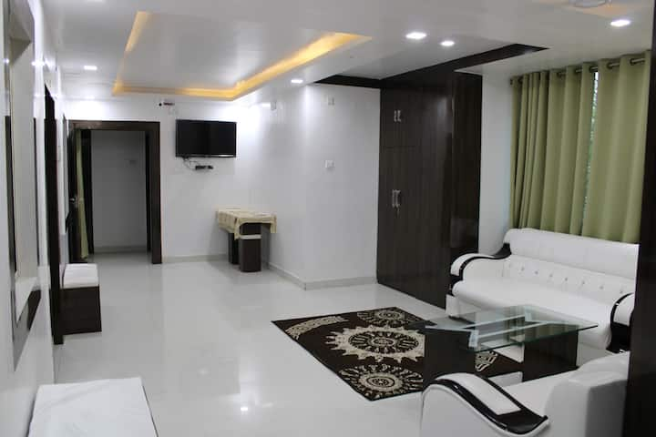 Private Room in Brand new Corporate Guest House