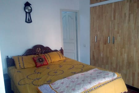 Cosy peaceful private room b/w city and airport - Bangalore - Casa