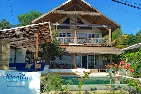 SERENITY BEACHFRONT VILLA & SPA WITH POOL, 8PPL