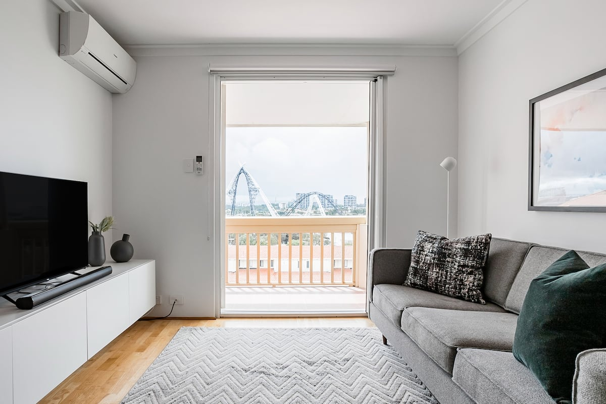 Nile Street Pad with Optus Stadium & Swan River Views