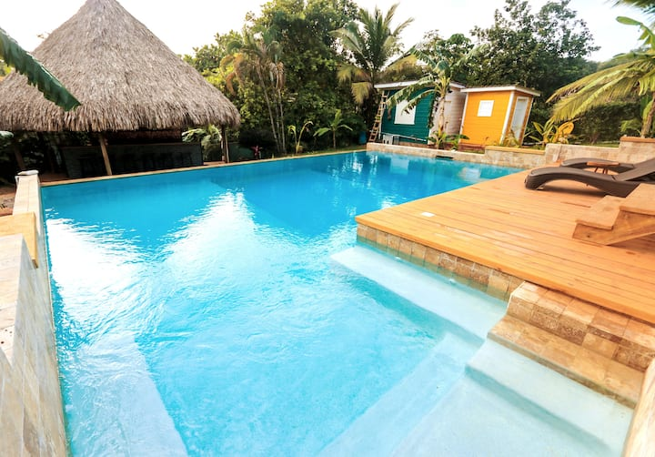Charming One Bed Room & Infinity Pool in Utila!