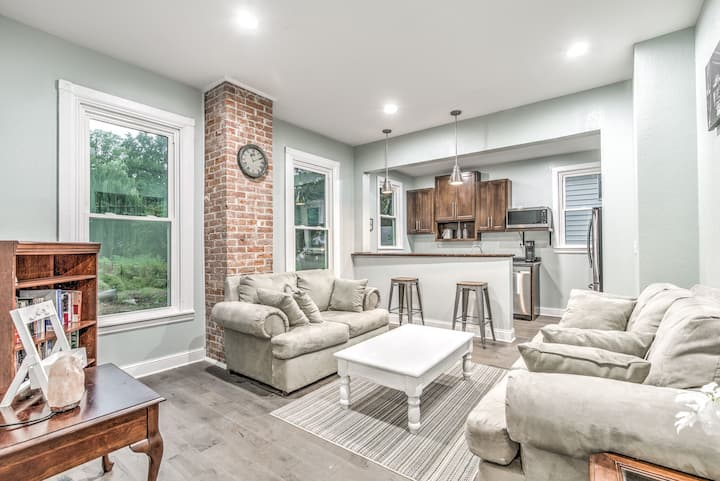 Historic 5 Star Home steps from Downtown