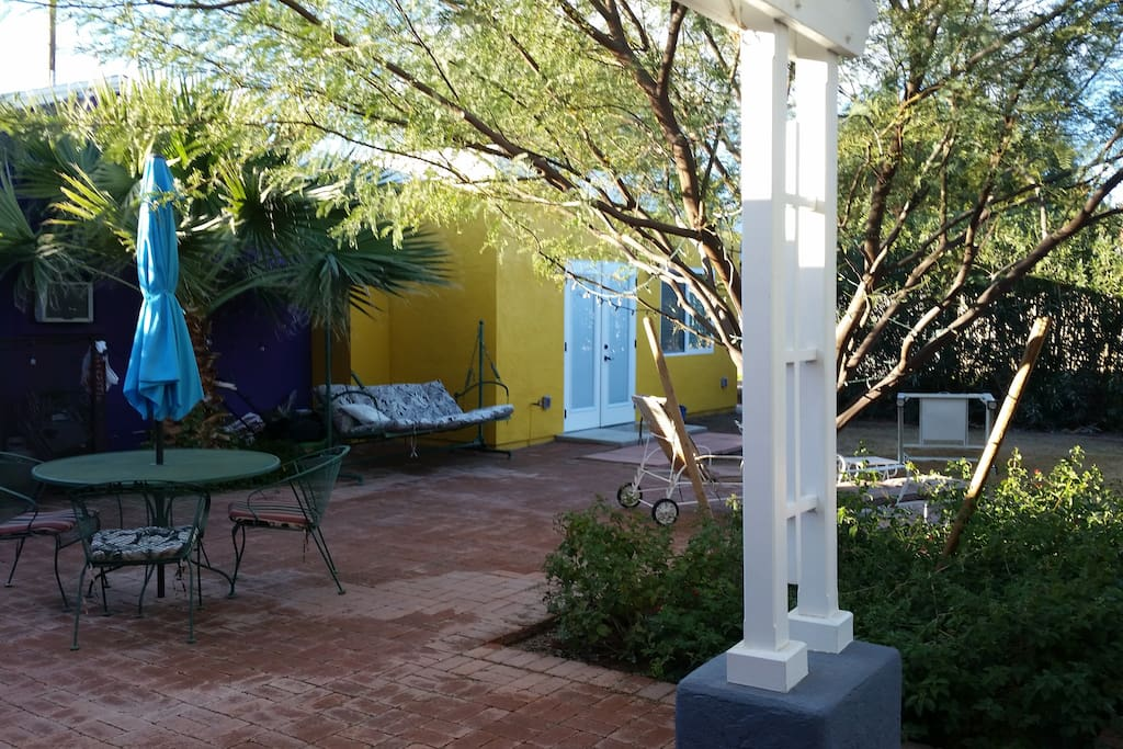 Cozy courtyard with private entrance to our guest house.