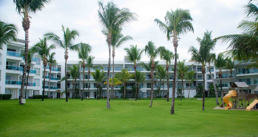 2 Bedroom Luxurious Beach Front Seawinds
