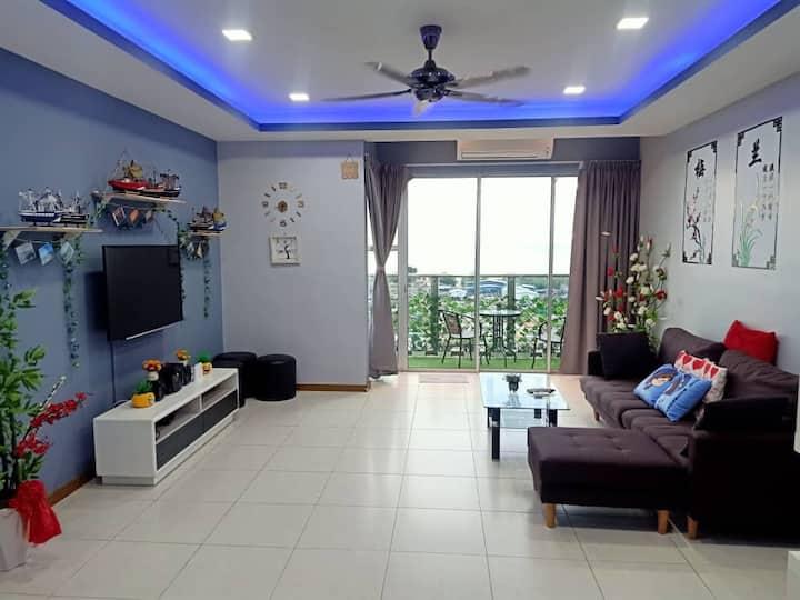 SeaView Homestay L14 @ WiFi ~高楼无敌海景公寓民宿~