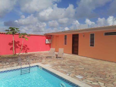 Studio neuf avec piscine