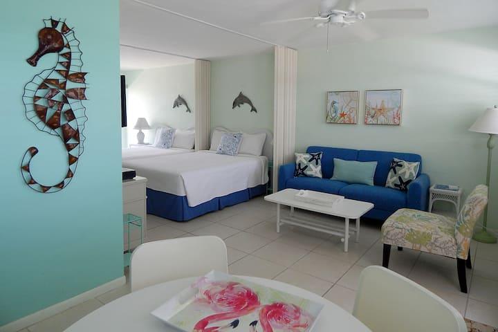 Seaside Whimsy - Beach and Pool, Key Colony Beach