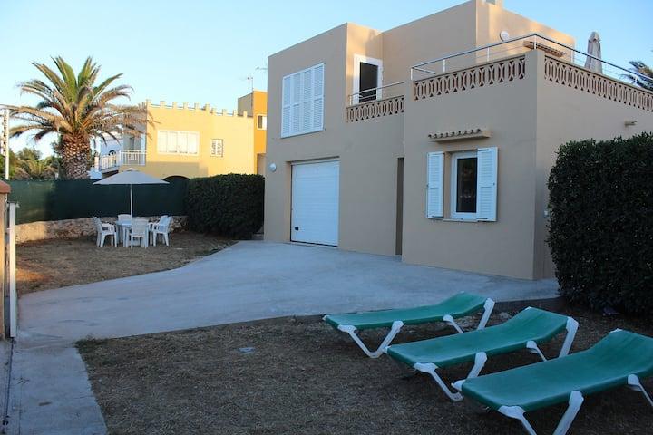 Villa a 500 metros de la playa