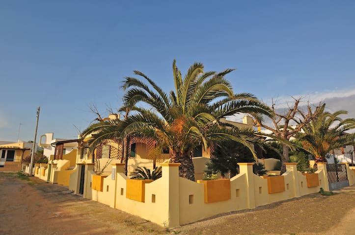 Comoda villa 6 posti letto 250m dal mare - Torre Suda - Casa de vacances