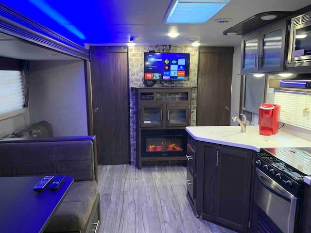 The Patriot Suite RV - Monahans, TX