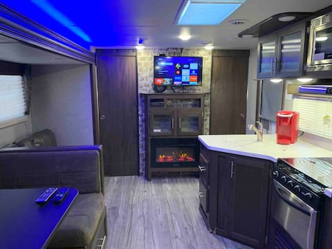 The Patriot Suite RV - Monahans, TX