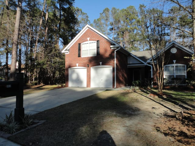 OnGolfCourse&NearPlantationsHome - Summerville - Huis