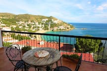 Spacious, large and pleasant terrace with wonderful sea view.