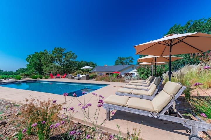New!!! 4BD Vineyard property w/ Pool, Spa, & Bocce