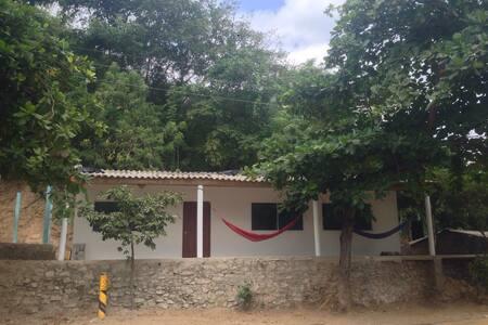 Cabaña cerca al parque Tayrona - Guachaca