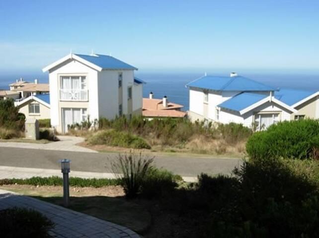 Beautiful Pinnacle Point Lodge 113 (Golf & Spa)