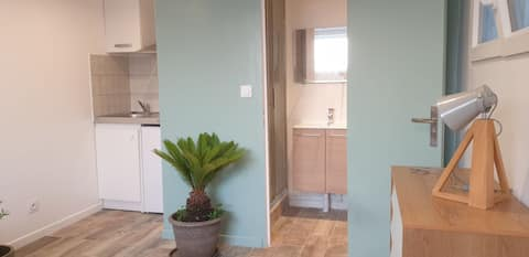 Meudon: Adorable fully-equipped studio, new and quiet