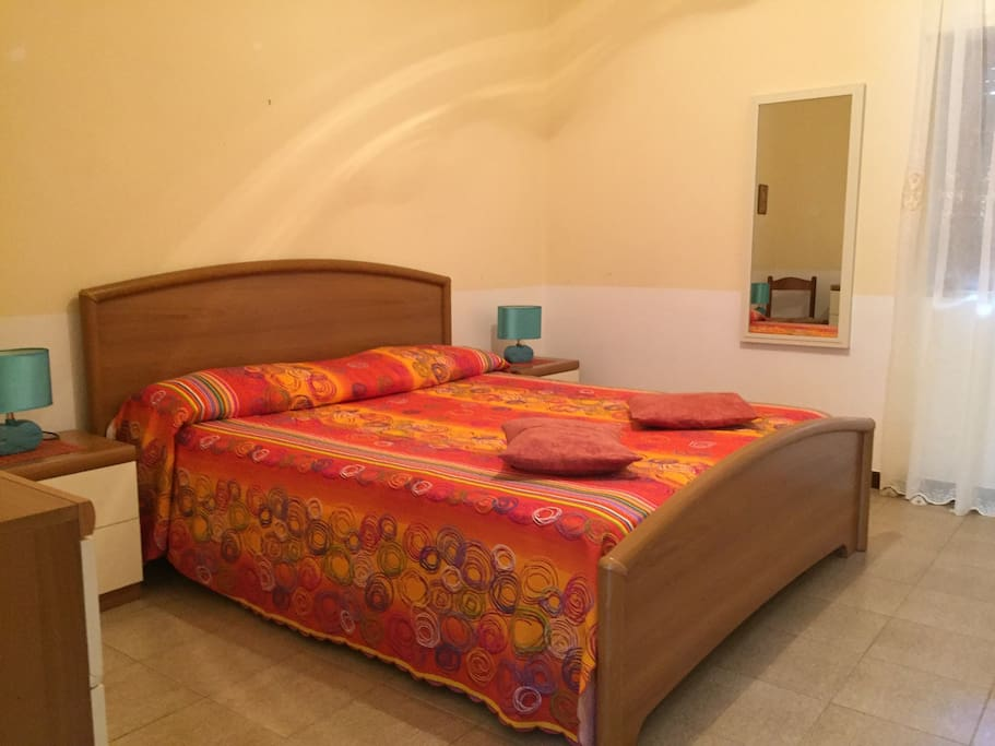 Monolocale capo rizzuto appartamenti in affitto a for 2 appartamenti della camera da letto principale