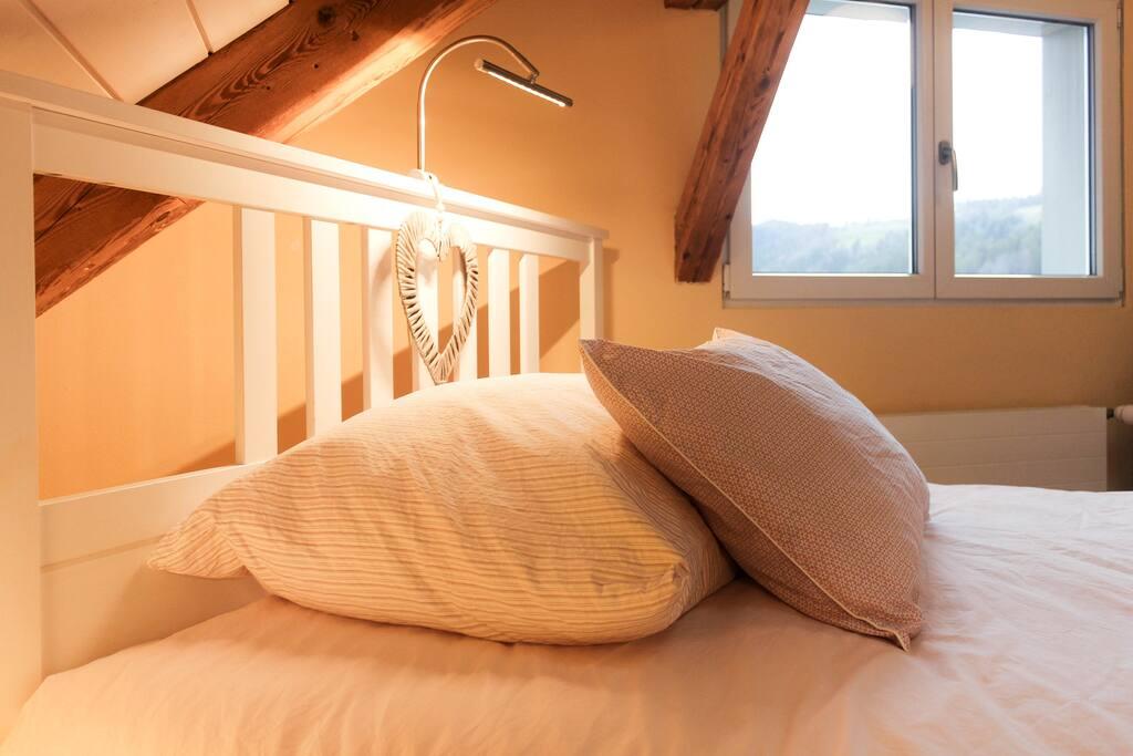 Bett 140 breit