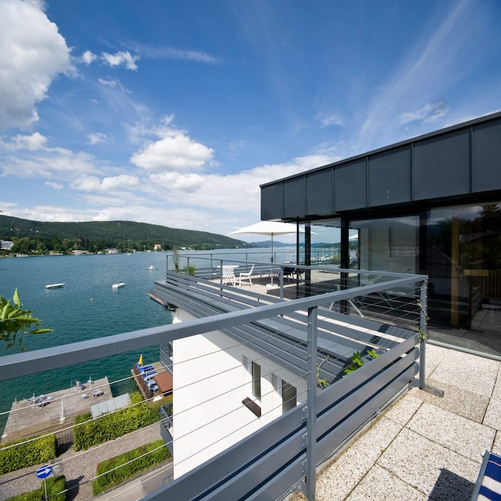 Nice apartment in a boutique hotel on the lake