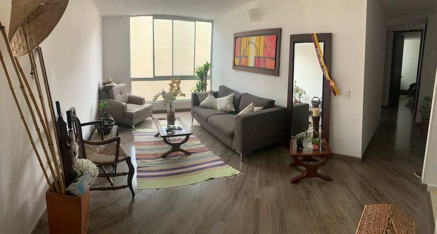 Apartamento renovado/ updated apartment