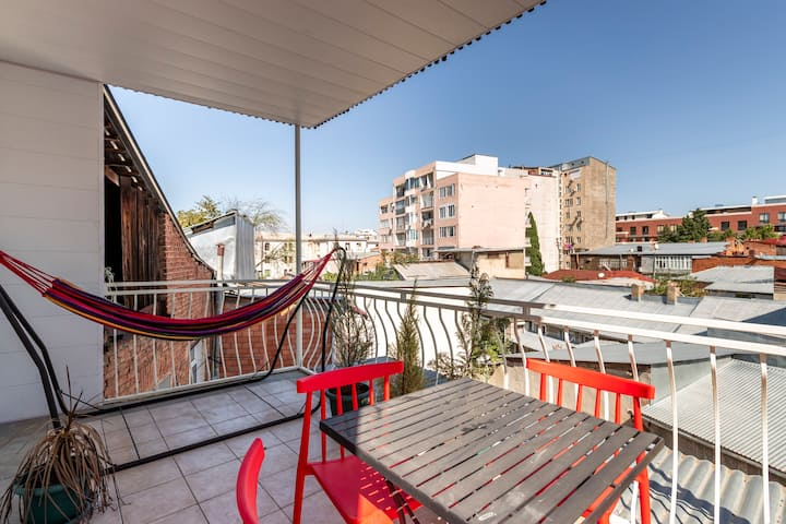 ✲2BR apt with a furnished Terrace + balcony✲