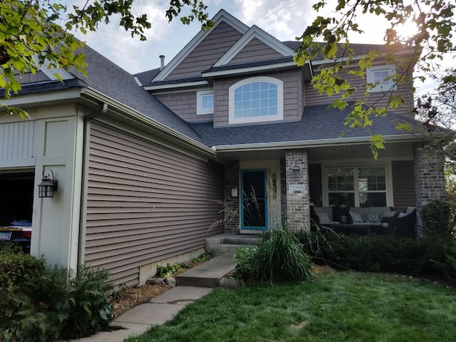 3M Open PGA 5 Bedroom with Parking Credentials